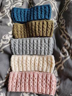 Pannband | nystickat Baby Knitting Patterns, Loom Knitting, Baby Patterns, Yarn Crafts, Diy And Crafts, Hooded Scarf Pattern, Kids Tie Dye, Sour Patch Kids, Mittens Pattern