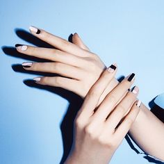 유니스텔라 네일_박은경 @nail_unistella @wkorea #negative...Instagram photo | Websta (Webstagram)