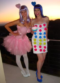 """Katy Perry """"california girls"""" costume // Good idea for Maddie and I Katy Perry Halloween Costume, Cotton Candy Halloween Costume, Candy Costumes, Cool Costumes, Halloween Costumes, Sorority Costumes, Fall Halloween, Halloween Party, Halloween Karneval"""