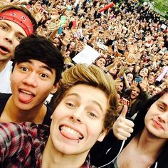 Send a note this Valentine's Day for 5SOS through RP ♥ Click on the pin to do it the modern way ♥