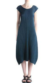 Issey Miyake - Long Pleated Dress  382E
