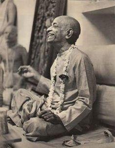 Hare Krishna, Srila Prabhupada, Divine Grace, Bhakti Yoga, Bhagavad Gita, Historical Pictures, Spiritual Life, Lotus, Reflection