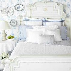 How To Create a Beautiful Cottage Bedroom !  (Tips and Tutorials)