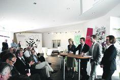 Panel in Venlo auf der Floriade:  BGI,Veranstaltung im NRW Pavillon Floriade. 12.Juni 2012. Erfolgsfaktor,Transparenz:,Blumenhandel,mit,offenen,Karten Transparenz,– Wen,interessiert,das,überhaupt,und,was,wollen,die,bloß,alles,  wissen?,  Maurice,Stantzus,,WeGreen,– Die,Nachhaltigkeitsampel  http://taspo.de/typo3temp/pics/2079E7F5BB3F4F6E815390BE1FE9B996_runde_mit_wessel_01_6e08b8f37c.jpg