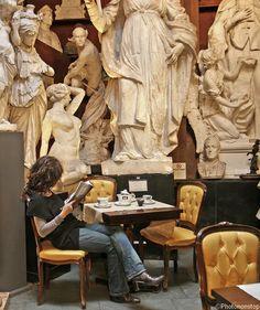 "Le Caffè Canova, Rome, Italie (Roma, Italy) (aka ""The Statue Bar"") :)"