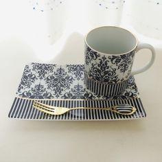 Hrníček na kávu • s táckem na dezert, modro bílý porcelán