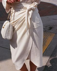 Na Nin Bobbie wrap skirt & vintage purse. Find online now 🌹 Na Nin Bobbie wrap skirt & vintage purse. Find online now 🌹 Mode Outfits, Fashion Outfits, Womens Fashion, Fashion Tips, Fashion Trends, Skirt Fashion, Trending Fashion, Fashion Ideas, Women's Summer Fashion