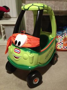 The classic Little Tykes Cozy Coupe is much too boring for these kids. From John Deere Green to fire engine red, these little cars are sites to behold. Ninja Turtle Birthday, Ninja Turtle Party, Ninja Turtles, Ninja Turtle Toys, Little Tykes Car, Little Tikes Makeover, Cozy Coupe Makeover, Diy For Kids, Kids Playing