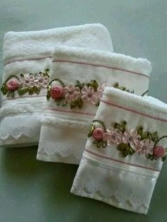 Wonderful Ribbon Embroidery Flowers by Hand Ideas. Enchanting Ribbon Embroidery Flowers by Hand Ideas. Silk Ribbon Embroidery, Embroidery Patterns, Hand Embroidery, Machine Embroidery, Ribbon Art, Ribbon Crafts, L'art Du Ruban, Band Kunst, Sewing Crafts