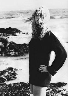 Brigitte Bardot in a #chunkyknit sweater. Love.