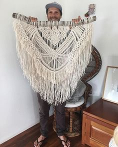 I think I'm going to find it hard to part with this big girl.I think she would have to be my fav to date. Macrame Design, Macrame Art, Macrame Projects, Macrame Knots, Macrame Jewelry, Hippie Party, Boho Home, Micro Macramé, Macrame Plant Hangers