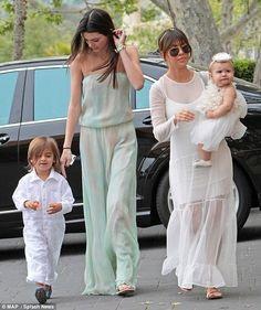 •| nephew Mason x niece Penelope x sister Kourtnie Kardashian x Kendall |•