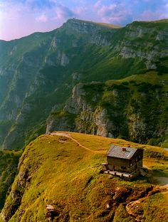 Caraiman chalet in the Carpathian mountains, Romania (by frubnosis). www.romaniasfriends.com