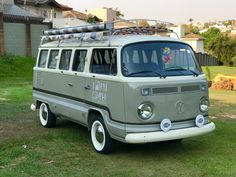 Volkswagen Transporter, Volkswagen Minibus, Vw T1, Combi Ww, Bus Interior, Bus Life, Cool Vans, Bus Camper, Campervan