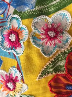 Textured flowers on print Wool Embroidery, Hand Embroidery Stitches, Cross Stitch Embroidery, Embroidery Patterns, Creative Embroidery, Simple Embroidery, Sewing Crafts, Sewing Projects, Crazy Quilt Stitches