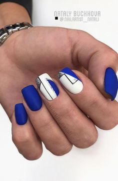 Dark blue nail art design has been on the rise in recent years. Many high-cold women like dark blue nail designs. If you haven't tried a dark blue nail design, you might as well use it in the next nail design. Blue Nail Designs, Short Nail Designs, Blue Nails, My Nails, Natural Nail Polish, Tribal Nails, Geometric Nail, Perfect Nails, Nail Polish Colors