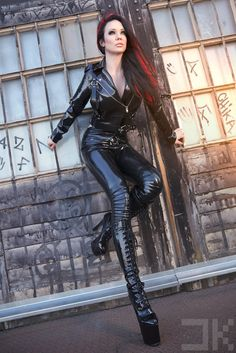 Latex-London-Kink