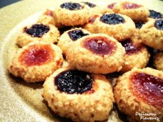 Fursecuri cu gem si nuca - imagine 1 mare Muffin, Cookies, Baking, Breakfast, Desserts, Food, Crack Crackers, Morning Coffee, Tailgate Desserts