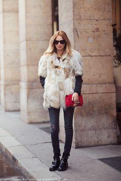 fur + black+ red bag