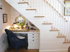 And put drawers in bottom stairs from the front of steps in stairwell.