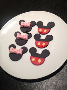 Mickey and Minnie Mouse Edible Fondant Icing Cupcake by QCakery
