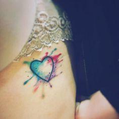 Coração em aquarela que rolou na Duda tmj trabalho exclusivo. Orçamentos 47 99160894 whats ou privado #stemtattoo #tatuagem #tattooart #electricinkpigments #electra #cortattoo #aquarelatattoo by stemtattoo