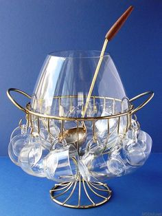 love this punch bowl