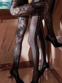 http://www.pantyhose-stockings-hosiery.com/emilio-cavallini-tights-dots-openwork.html