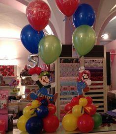 Balloon Centerpieces, Balloon Decorations, Balloon Ideas, Centrepieces, Super Mario Bros Games, Nintendo Princess, Princess Daisy, Love Balloon, Birthday Parties