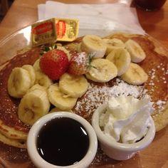 ~Cafe Kaila(カフェ カイラ)~ かなり並びました。そして、並んでいる人は日本人ばかりでした!w でも、やっぱりフルーツの乗った、パンケーキは最高です!  店舗詳細:http://www.travelbook.co.jp/place/530/