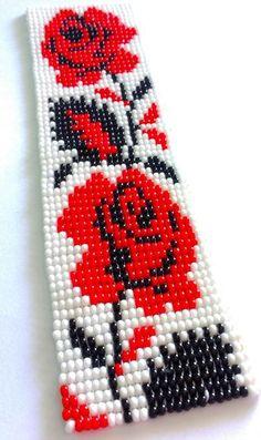 Pulsera hermosa artesanal, hecha con las joyas Jablonex, en el telar, en las core ...   #artesanal #con #core #el #en #hecha #hermosa #Jablonex #joyas #Las #pulsera #telar