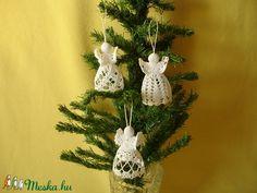 angyalok 10 12 cm Christmas Ornaments, Holiday Decor, Home Decor, Amigurumi, Decoration Home, Room Decor, Christmas Jewelry, Christmas Decorations, Home Interior Design
