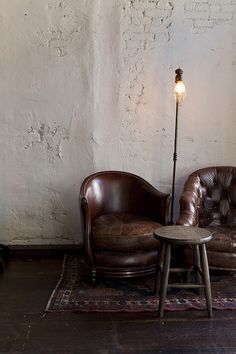 Home House Interior Decorating Design Dwell Furniture Decor Fashion Antique Vintage Modern Contemporary Art Loft Real Estate NYC Architecture Inspiration New York YYC YYCRE Calgary Eames Decoration Inspiration, Interior Inspiration, Room Inspiration, Style At Home, Sweet Home, Leather Club Chairs, Living Spaces, Living Room, Take A Seat