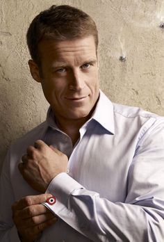 Mark Valley is so sexy! He would make a great astronaut in An Unlikely Hero. Can you see it?