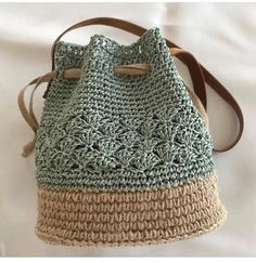 Trendy Sewing Bags And Purses Patterns Free Crochet Ideas Crochet Pouch, Crochet Diy, Crochet Crafts, Hand Crochet, Crochet Bags, Crochet Baskets, Crochet Ideas, Crochet Clothes, Crochet Projects