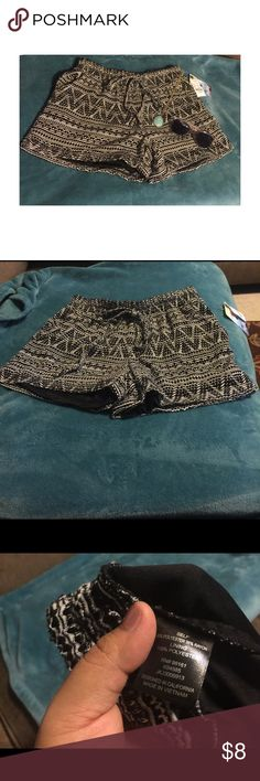 Bebop Shorts 🌺 Juniors shorts with lining underneath. Size small. Fits size 1/2. Color is black and white. NWT BeBop Shorts