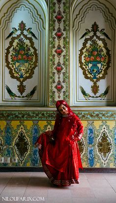 Iranian girl at home - Narenjestan ghavam - shiraz - Comingtoiran - Nice Shots Shiraz Iran, Persian Decor, Iran Girls, Sassanid, Persian Girls, Ancient Persia, Persian Culture, Iranian Art, Girl House