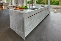 Neolith is the ideal material for kitchen countertops. Contemporary Kitchen Design, Contemporary Kitchen, Kitchen Inspirations, Uk Kitchen, Kitchen Interior, Latest Kitchen Designs, Kitchen Furniture Design, Modern Kitchen Design, Kitchen Applicances