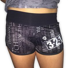 Print-Style Women's CrossFit-Themed Shorts from 321 Apparel. So stock up on great CrossFit-style apparel at Fitness Sanctum. Crossfit Shorts, Fashion Prints, Squats, Fitness Inspiration, Casual Shorts, Gym Shorts Womens, Stylish, Womens Fashion, Workouts