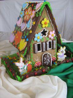 Casa de Pascua con conejitos.