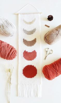 Crochet Wall Art, Crochet Wall Hangings, Crochet Home, Crochet Crafts, Yarn Crafts, Diy Crochet Wall Hanging, Diy Crochet Projects, Bobble Crochet, Free Crochet