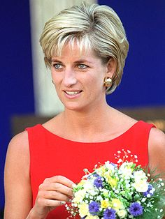 Princess Diana Fashion, Princess Diana Family, Princess Diana Pictures, Princes Diana, Princess Of Wales, Princess Diana Hairstyles, Diana Haircut, Short Hair Cuts, Short Hair Styles