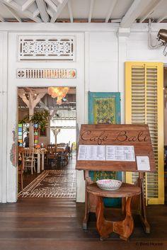 Sfeervol restaurant Cafe Bali in Seminyak ©BintiHome