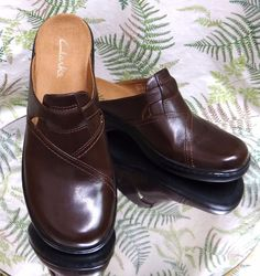 008baca0c702 Clarks brown leather mules slides loafers work dress heels shoes womens sz  9 m