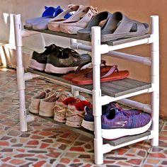 Diy Storage Projects, Diy Crafts Hacks, Diy Home Crafts, Diy Home Decor, Pvc Shoe Racks, Diy Shoe Rack, Diy Clothes Rack Pvc, Pvc Pipe Rack, Pvc Pipe Fort