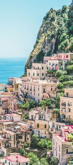 The Best Honeymoon Destinations in Italy: 7 Romantic Italian Getaways. Discover… The Best Honeymoon Destinations in Italy: 7 Romantic Italian Italy Destinations, Best Honeymoon Destinations, Italy Honeymoon, Honeymoon Places, Romantic Honeymoon, Romantic Destinations, Romantic Places, Romantic Getaways, Romantic Travel