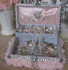 Shabby Chic Decor - A brilliant and practical info on chic decor ideas. This pin suggestion ref 5952062939 organized under category shabby chic decorating tips, and shared on 20190105 Shabby Chic Homes, Shabby Chic Decor, Shabby Chic Jewelry, Vintage Jewelry, Lizzie Hearts, All The Bright Places, Princess Aesthetic, Queen Aesthetic, Shabby Chic Furniture