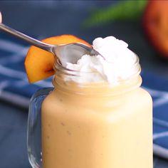 Peaches 'n Cream Milkshake -Atıştırmalık tarifler - Las recetas más prácticas y fáciles Dessert Drinks, Köstliche Desserts, Yummy Drinks, Healthy Drinks, Delicious Desserts, Healthy Snacks, Dessert Recipes, Yummy Food, Dessert Ideas