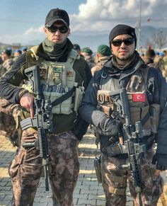 Turkish Soldiers, Turkish Army, Myself Status, Warrior Quotes, Military Weapons, Black Ops, Special Forces, Tactical Gear, Law Enforcement