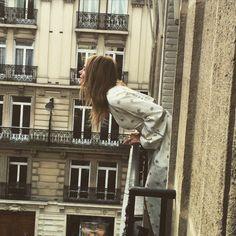 Good morning, Paris! #EresParis #EresInspired #MorningLight #Buildings #Architecture #Details #Beige #Bricks #Windows #Parisian #Inspiration  #FW15